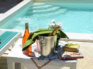 """Villa la Scaletta"""" con vista mare, piscina privata con angolo idromassaggi"""
