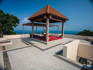New POP Villa, 3 BR Penthouse Pool Villa, Sea & Jungle Views