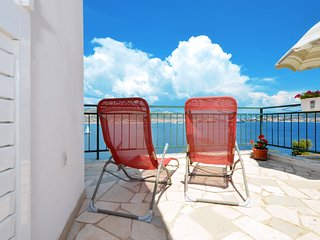 Sea view apartment Mile 2, Okrug Donji near TROGIR