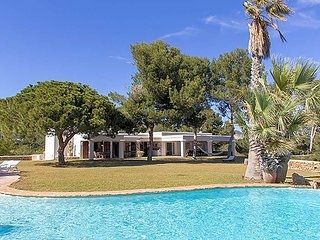 6 bedroom Villa in Sant Francesc de s'Estany, Balearic Islands, Spain : ref 5669