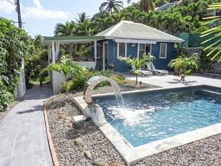 Complexe de deux bungalows de standing avec piscine