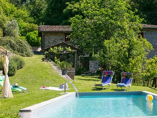 Romantic water mill home in Tuscany, private pool, private waterfall and Wi-Fi