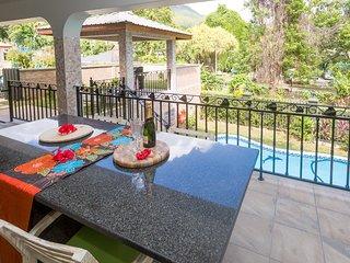 Beau Vallon Villa 3 Bedroom Chalets