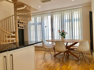 Luxury 3 Bedroom Apartment near Big Ben by City Stay London