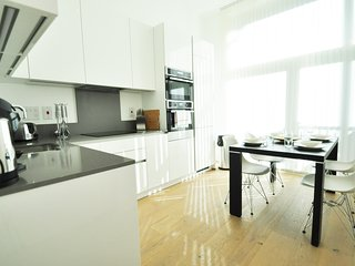 Stylish 2 Bedroom Apartment in Camden by City Stay London