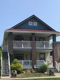 Large 3 story home with parking, beach chairs, towels sleeps 17 in OC, NJ