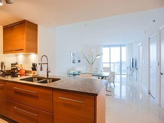 Gorgeous One Bedroom Plus Den  Icon Brickell