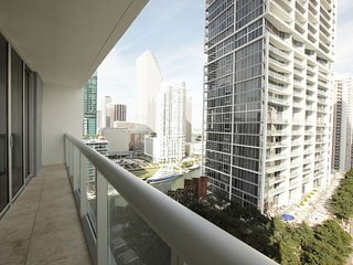 Luxx Amazing Two Bedroom  Pool View W Miami