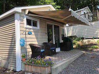 Romantic Lake Winnipesaukee w/view - on sale 9/16-10/2 only $75/nt!