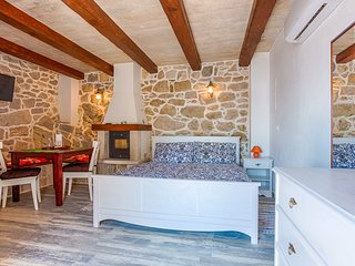 ctbr203 - The newly renovated stone villa with pool in Brela, 4 + 1 persons in B