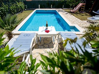 ctost192 - Holiday home with a Dalmatian-style pool, can accommodate up to 8 peo