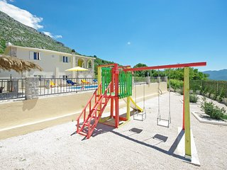 ctza132 -Villa welcomes 8 people (160m2), pool and jacuzzi,children's playground