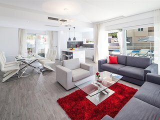 ctvb110 - new and modern semi-detached houses with pool, max 6 + 2 persons in Ma