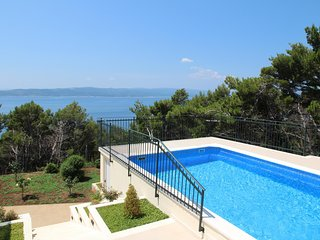 ctbr223 - Ferin house with pool, 2 units, 4 + 2 pers., a beautiful view of Brela
