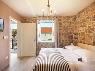ctma 215 - Holiday house with pool, in the historic center of Makarska in Makars