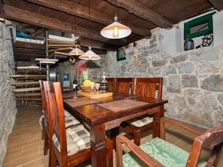 ctma151- new renovated stone house is located in a small Dalmatian place, 4 + 2