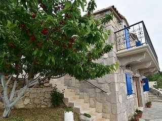 ctma154 - SPECIAL PRICE (10 % DISCOUNT INCLUDED IN PRICE) ,Renovated stone house