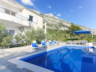 ctma160 - Villa with pool and beautiful views, sleeps 6 + 2, ideal for families,