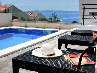 ctma231- NEW !! Villa with pool, 4 bedrooms, up to 8 people in Makarska