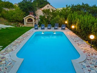 ctim219-villa with pool in Imotski, 8 persons, in the well-kept garden awaits yo