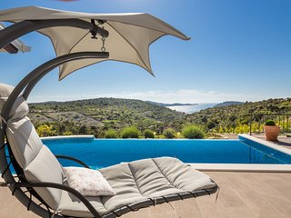 ctro166 - House on a private property of 1000 m2 with a pool of 27 m2, 4 + 2 per