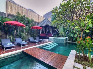 Garden & Pool View - Villa Sundari