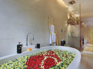 Sankara Suites & Villas (Suite with Jakuzzi 3)