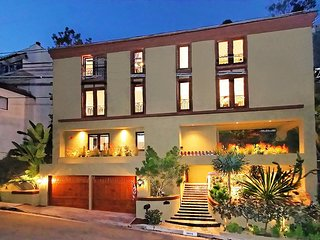 4 Bed/4 bath private enclave in Beverly Hills