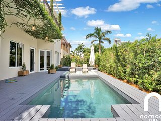 Villa Murano Your Private Pool Villa in the Heart of Brickell