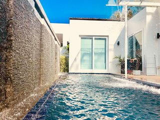 Phuket 2BR Private Modern Pool Villa in Kamala