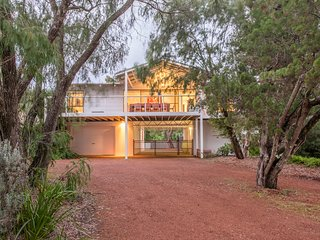 The Beach House – Dunsborough, sleeps 10