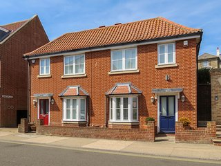 Maisie's -Beautifully furnished property located on Aldeburgh High Street