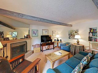 Charming Ski-In Snowmass Village 2BR w/ Cozy Fireplace & Private Deck w/ View