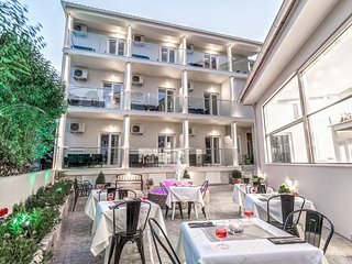 Palotel Corfu (Triple Room)