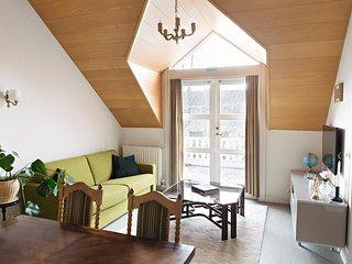 Brattagata Guesthouse, 2 bdr top floor