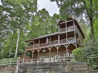 ENJOY THE SITES AND SOUNDS OF THE TOCCOA RIVER FROM HEAVEN ON THE TOCCOA