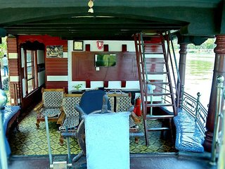 Lake Queen House Boats 13