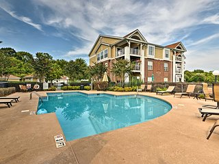 NEW! Waterfront Lake Norman Condo - Pool, Tennis!