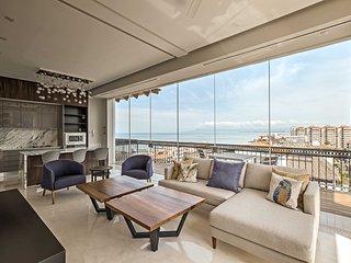 NEW! Luxe Puerto Vallarta Penthouse w/Rooftop Pool