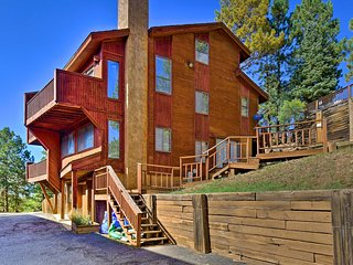Condo 400 Feet to Angel Fire Resort Chile Express!