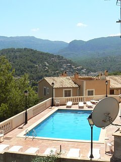 Cosy, Peaceful 100 m2 Duplex with Valley Views,35m2 terrrace.Sharing pool.WIFI