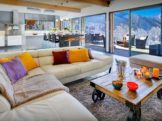5* Get a taste for Alpine life from this contemporary chalet - OVO Network