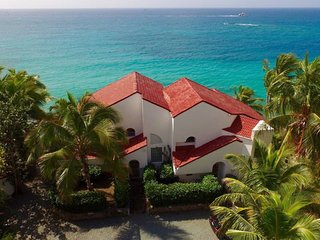 Spacious Southside Oceanfront Villa- Salty Sway I
