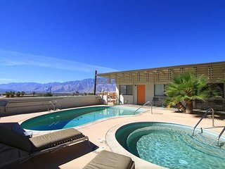 1960s California Desert/Spa Getaway 2BR/2 Bath #6