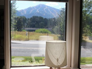 NEW LISTING! Bright & retro condo w/gas fireplace & view of Bald Mountain