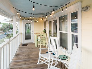 Come Enjoy Fall/Winter at Tybee! Steps to South Beach! 25 Min to Savannah!