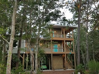 Island Treehouse - Private Entrance/2 Room Suite w/Bath