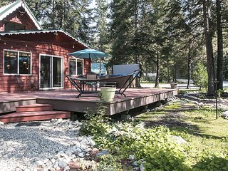Elegance in a mountain community, Free WIFI, Hot Tub,  Elec. car charger