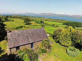 Carbery 3, Durrus, Co.Cork - 3 Bed - Sleeps 6 - Carbery 3 Holiday Home Rental Gl