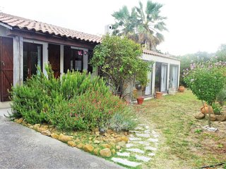 2 bedroom Villa with Walk to Shops - 5050752